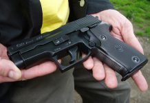 W całej Europie na pistolety alarmowe nie trzeba posiadać żadnego zezwolenia. W Polsce jest inaczej. Fot. BOM