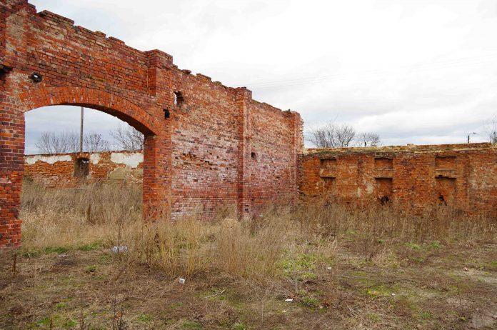 zabytkowa-stodola-w-chwalimierzu-gmina-sroda-slaska-1.jpg