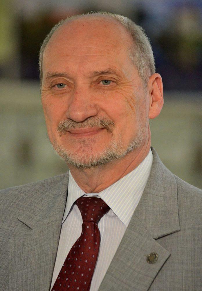 Macierewicz1.JPG
