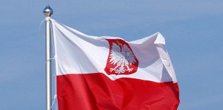 800px-Polish_flag_with_coat_of_arms-1.jpg